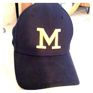 University of Michigan flexfit ballcap